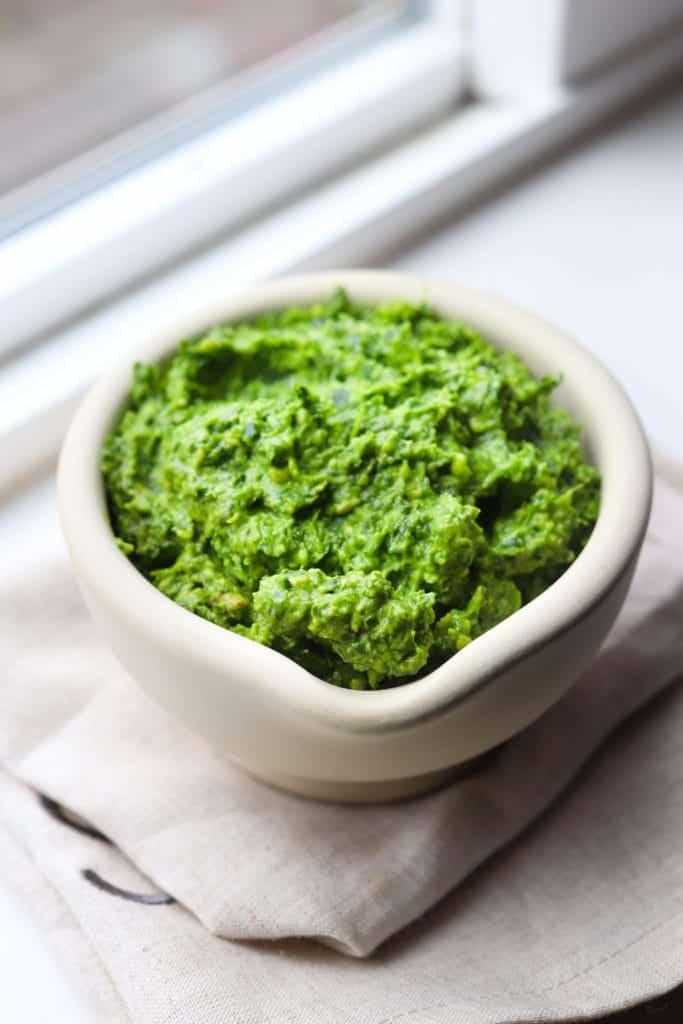 Creamy vegan kale pesto