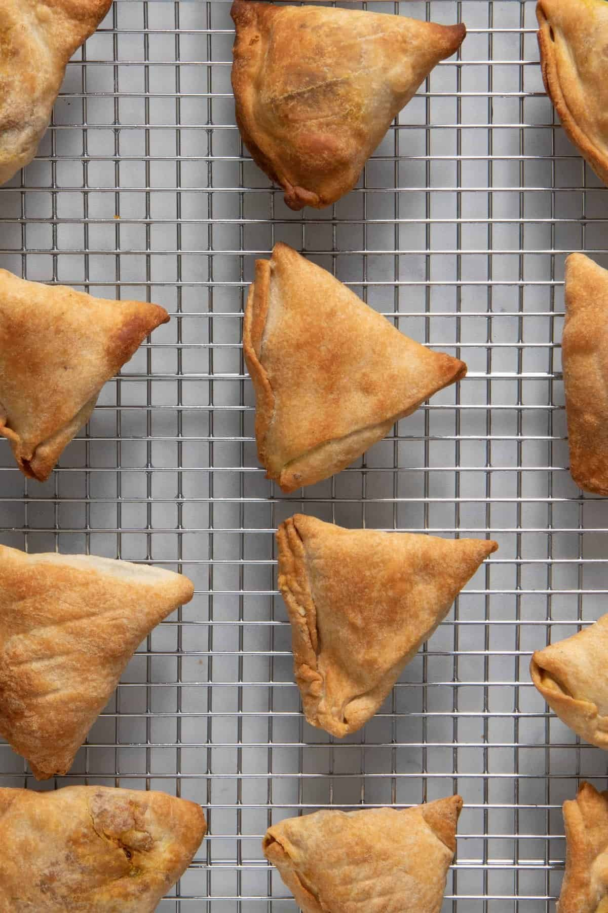 Noticed no difference between the air fryer samosa and the baked samosa - so try either version!