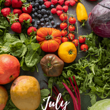 Spread of all the fruits and vegetables that are in season in July
