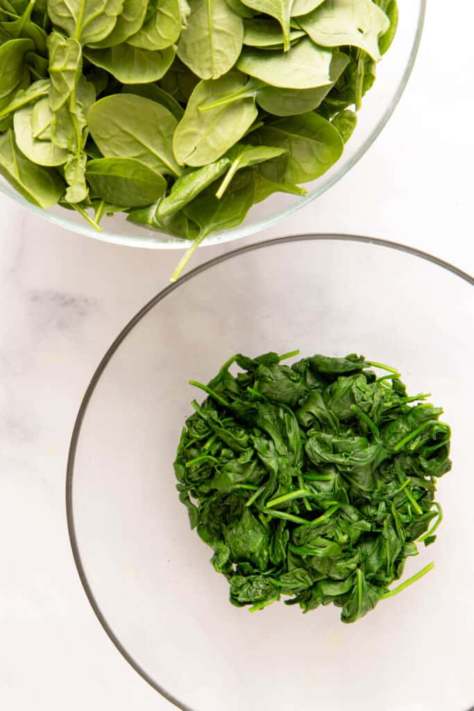 Difference between fresh and wilted spinach